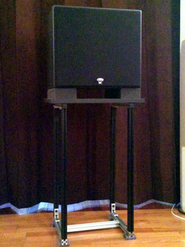 20131127-speaker-stand-with-speaker.jpg