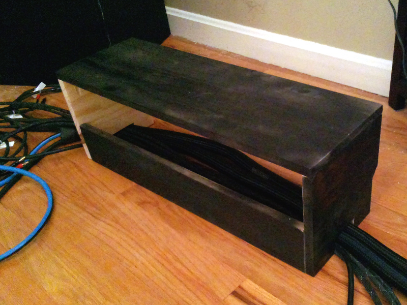 20131210-wide-stand-cable-fit.jpg