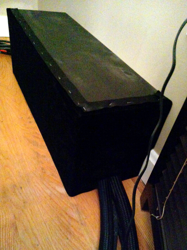 20131210-wide-stand-finished-right.jpg