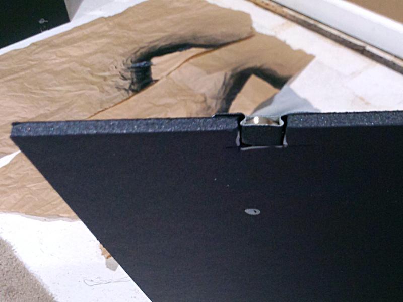 20131214-ceiling-panel-magnet-edge.jpg