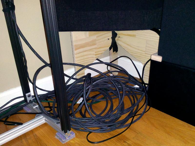20131217-speaker-cable-nest.jpg