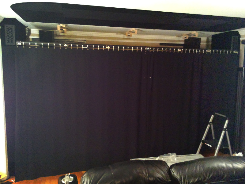 20131218-curtain-test-fully-closed.jpg