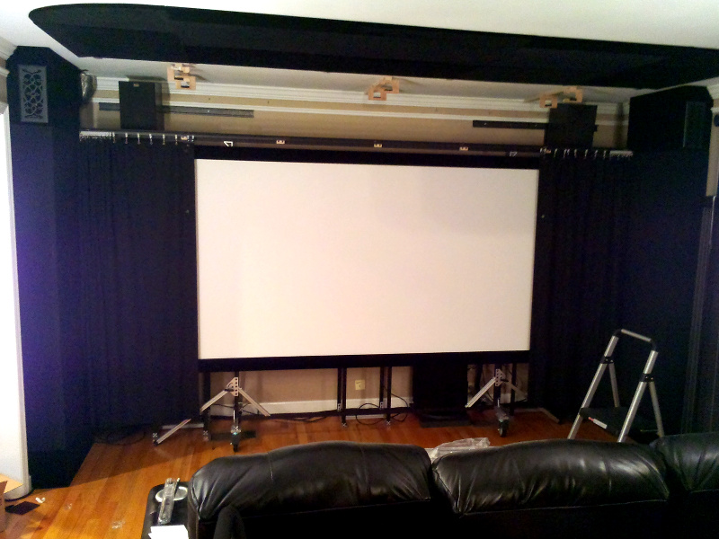 20131218-curtains-partly-closed.jpg